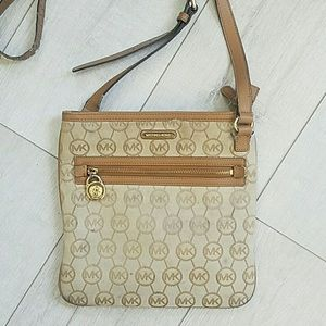 Michael Kors crossover bag
